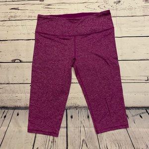 Victoria's Secret purple 3/4 Leggings sz.L VSX